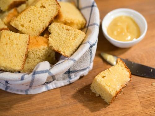 Sweet and Moist Northern-Style Cornbread Recipe