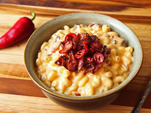 How to Make Jalapeño-Bacon Mac and Cheese (Even When You're Drunk)