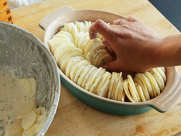 Hasselback Potato Gratin Recipe