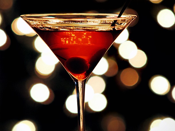 9 Large-Format Drinks to Make for Holiday Parties