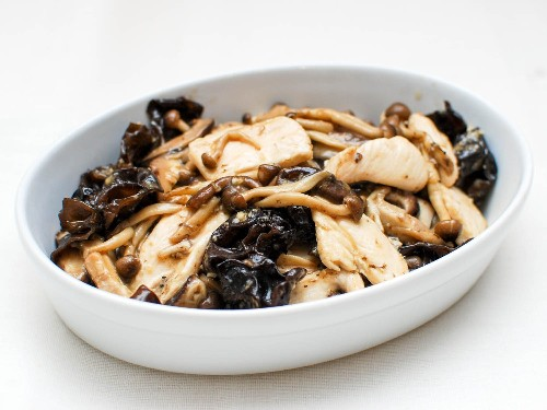 Stir-Fried Chicken With Mushrooms and Oyster Sauce Recipe
