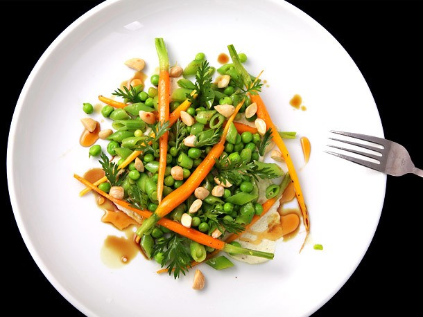 Peas and Carrots Salad With Goat Cheese and Almonds Recipe