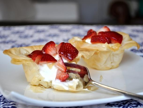 Greek Yogurt and Strawberry Phyllo Cups Recipe