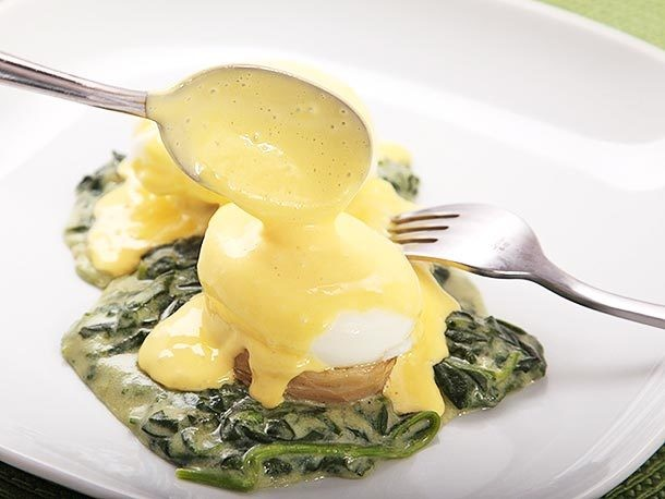 Sunday Brunch: Eggs Sardou (New Orleans-Style Poached Eggs With Creamed Spinach, Artichokes, and Hollandaise)