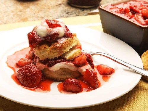 5-Ingredient Strawberry Shortcakes Recipe