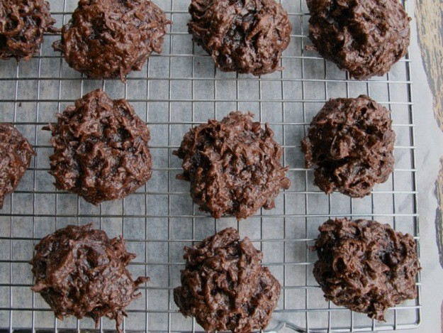 A Cookie a Day: Moist and Chewy Double Chocolate Coconut Macaroons