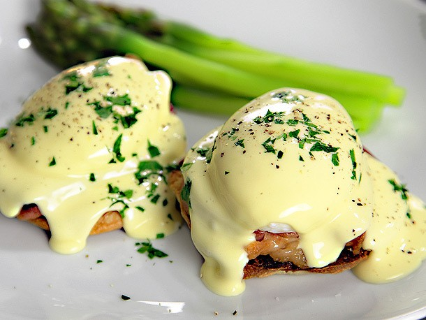 Video: The Food Lab's Foolproof Hollandaise in 2 Minutes