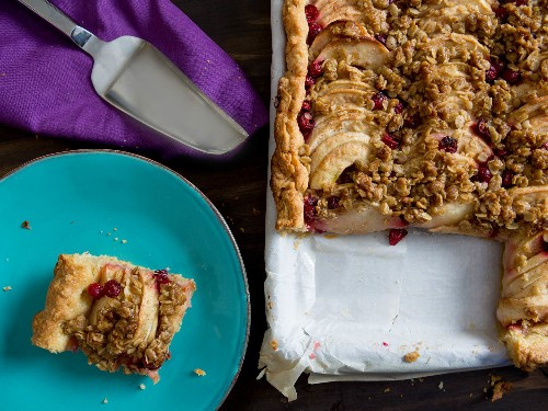 Step-by-Step: How to Make Cranberry Apple Slab Pie