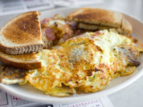 Every Diner Should Serve a Gyro Omelet