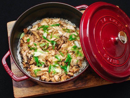 Give Chinese Clay Pot Rice an Italian Twist With Spicy Sausage and Mushrooms