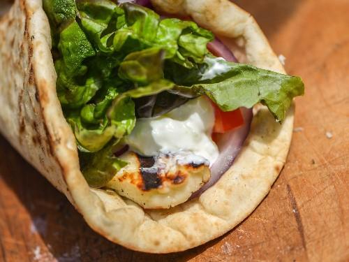Grilled Halloumi Pita Sandwiches Recipe
