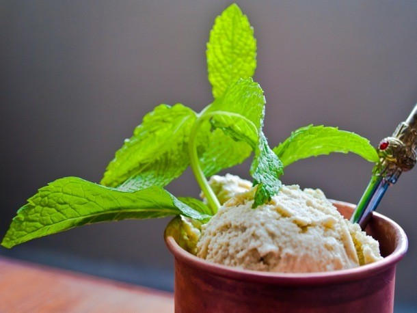 8 Sweet Ways To Use Fresh Mint