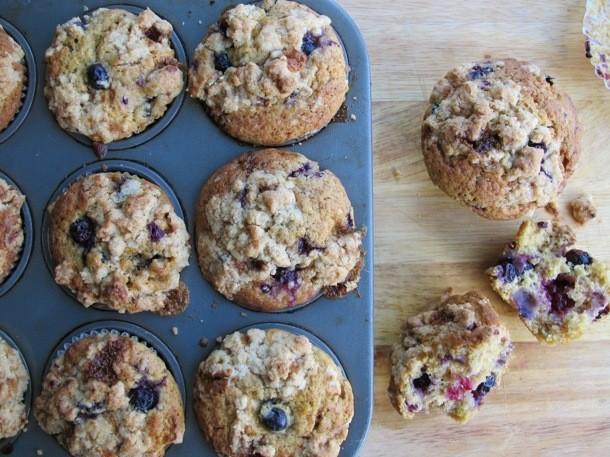 Brown Sugar Berry Crumble Muffins Recipe