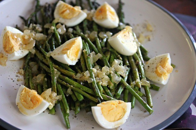 Unique Grilling: Grilled Asparagus With Hard-Boiled Eggs and Crispin Cider Vinaigrette