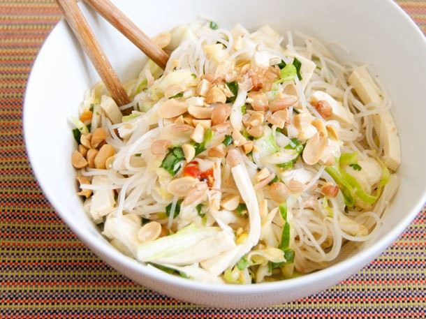 Vegetarian: Spicy Rice Noodle Salad with Cabbage and Tofu