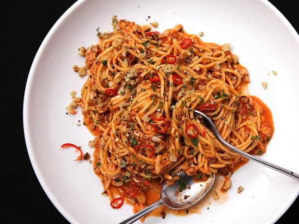 Pasta with Crab, Tomato, and Chilies Recipe