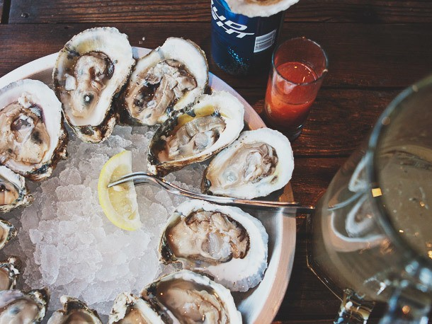 How Derek Brown of Washington DC's Eat the Rich Pairs Drinks With Oysters