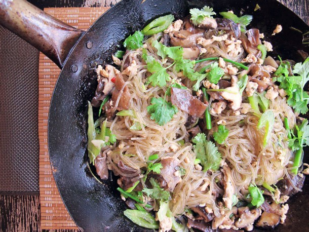 Glass Noodles with Chicken and Mushrooms Recipe