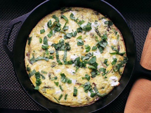 Skillet Spring Frittata With Asparagus and Goat Cheese Recipe