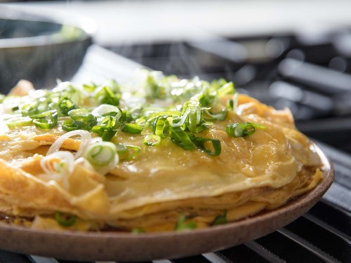 This Layered Scallion Omelette Is the Perfect Weeknight Dinner