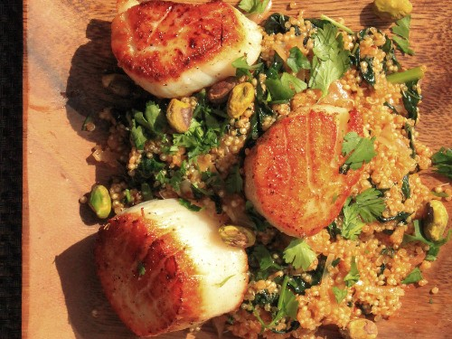 One-Pot Wonders: Scallops With Spicy Quinoa, Kale, and Pistachios