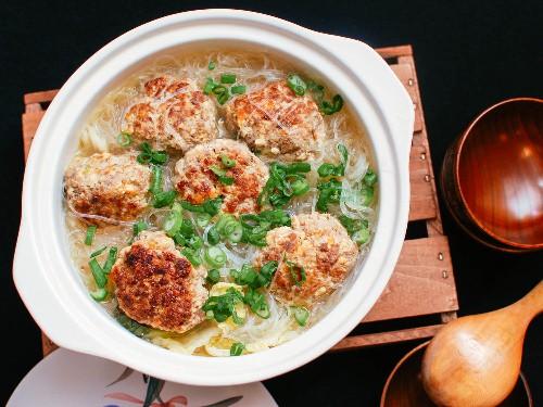 How to Make Shanghai Lion's Head Meatballs