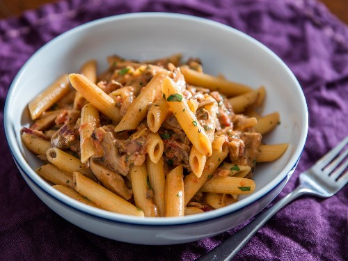 How to Make Earthy, Smoky Penne Boscaiola (Pasta With Mushrooms and Bacon)