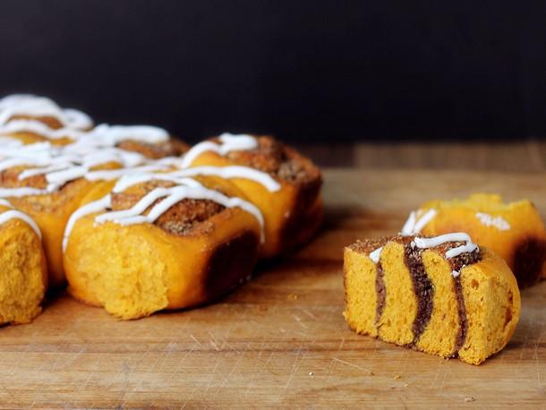 Bread Baking: Pumpkin Sweet Swirl Buns