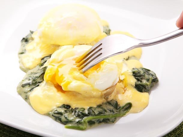 Eggs Sardou (New Orleans-Style Poached Eggs With Artichoke Hearts, Spinach, and Hollandaise) Recipe
