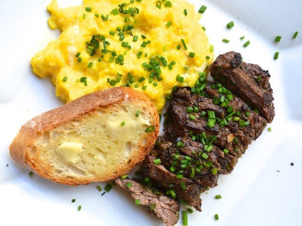 Sunday Brunch: Herb-Marinated Steak and Soft Scrambled Eggs