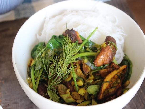 Make-Ahead Turmeric Mushroom Stir-Fry with Herbs and Vermicelli Recipe