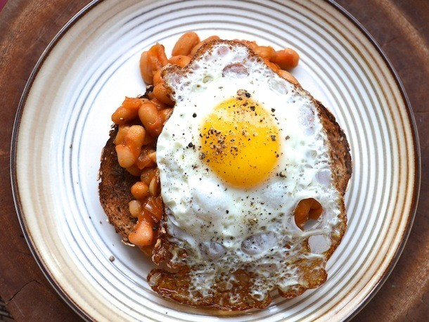 Sunday Brunch: Quick Morning Beans and Fried Eggs