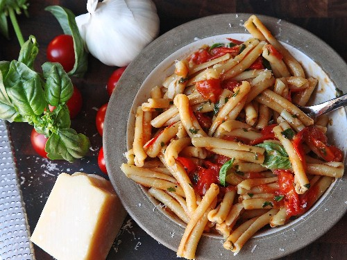 Use Cherry Tomatoes for the Fastest Fresh Pasta Sauce Ever