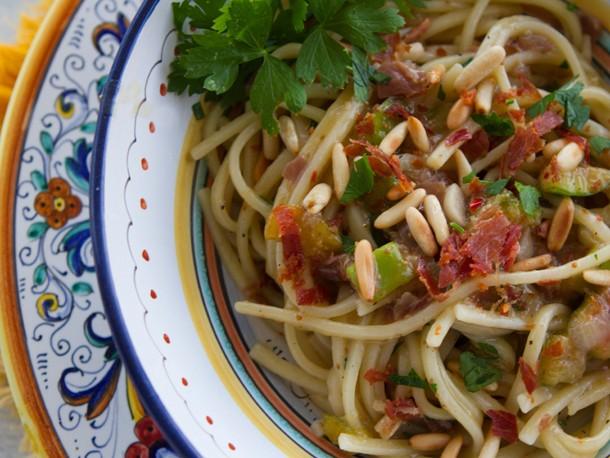 Italian Easy: Pasta With Figs and Prosciutto