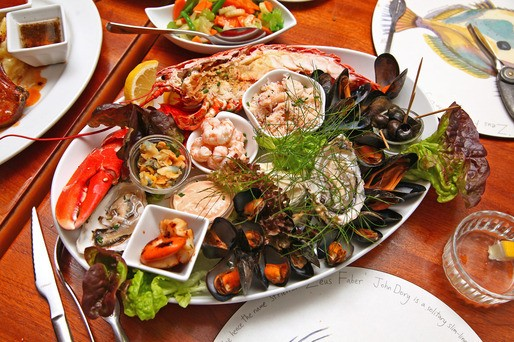 HD Photo of the Day: A Killer Seafood Platter From Fenton's in Dingle, Ireland