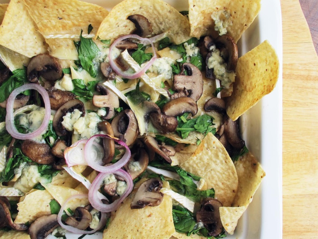 Blue Cheese and Brie Nachos With Mushrooms and Spinach Recipe