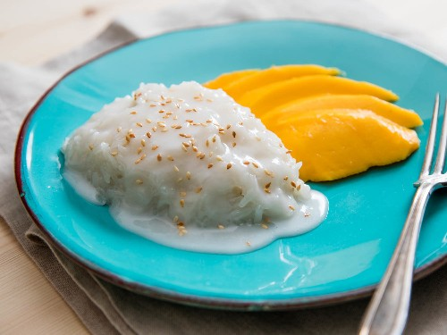 Drop Everything and Make Thai Coconut Sticky Rice With Ataúlfo Mango