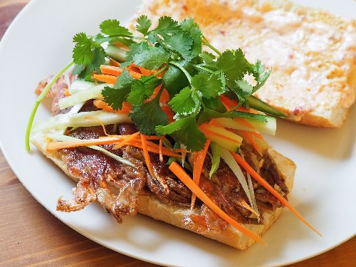 Sautéed Soft-Shell Crab Sandwiches With Pickled Vegetables, Cilantro, and Ginger-Chili Mayo Recipe