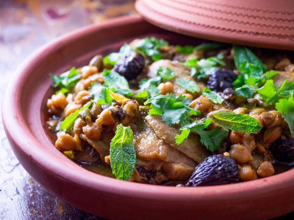 A Chicken, Chickpea, and Fig Tagine So Easy it Almost Cooks Itself Recipe