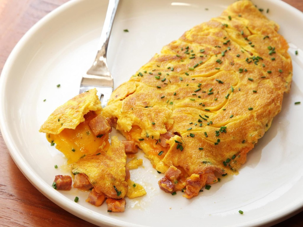 The Food Lab's American Omelettes (and Why You Should Salt Your Eggs in Advance)