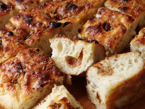 Easy Roasted-Garlic Focaccia Recipe