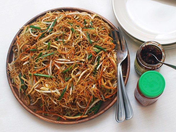 Stir-Fried Chow Mein With Four Vegetables Recipe