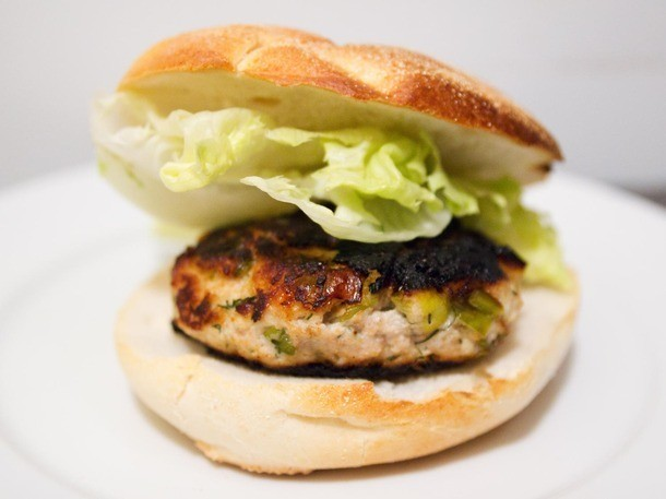 Meat Lite: Turkey-Ricotta Burgers With Leeks and Dill