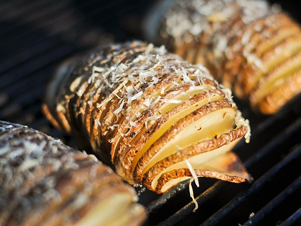 Grilled Hasselback Potatoes With Garlic and Parmesan Recipe
