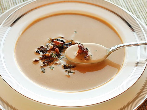 Creamy Chanterelle Mushroom Soup Recipe