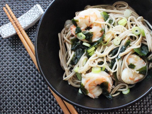 Soba Noodles With Shrimp and Wakame Recipe
