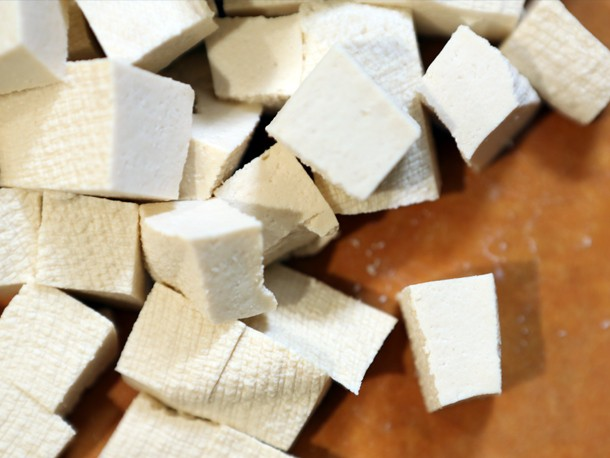 Video: Making (and Messing up) Homemade Tofu