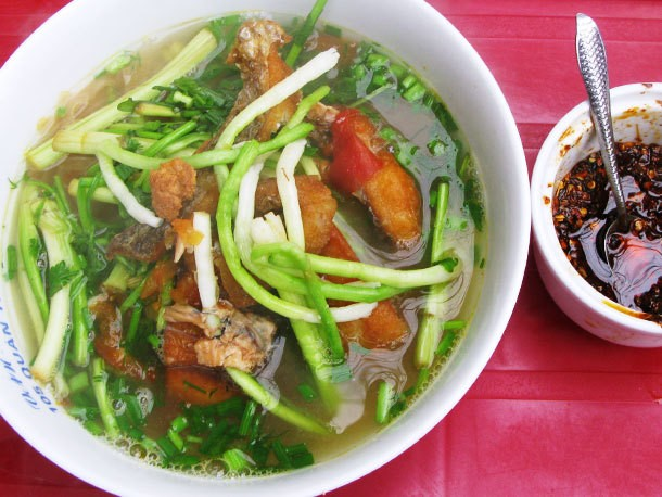 Snapshots from Vietnam: A Guide To Hanoi's Best Street Food
