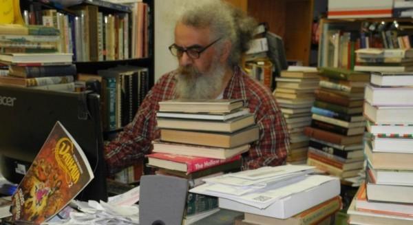 San Francisco's Valhalla Books delays closing until April