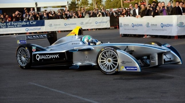 All-electric Formula racing car shows vision of 'cool' tech at CES